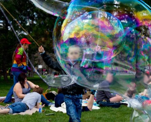 Riesenseifenblasen Showeinlage Kindergeburtstag