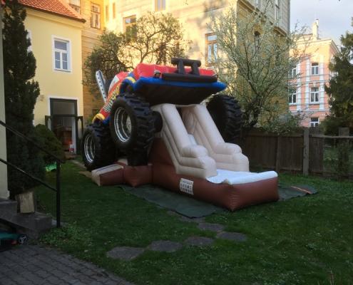 Luftburg Monsterstruck