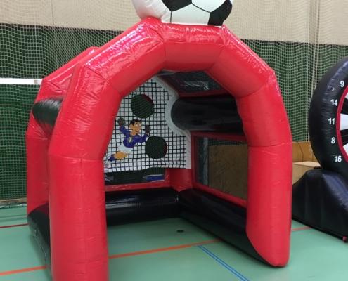 aufblasbare Spielstation Fußball