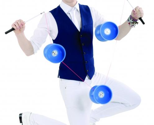 Jongliershow Benni Blue