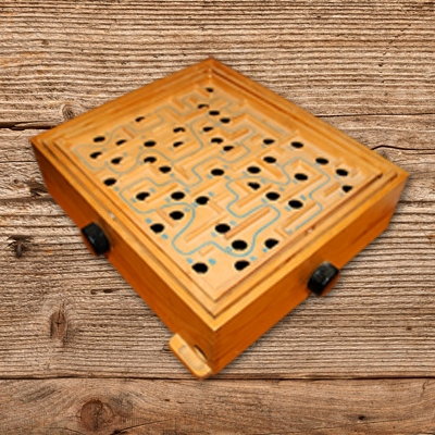 Holzspiel Labirinth mieten